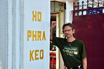 "Graubart Andy am ""Ho  Pha Keo"", 